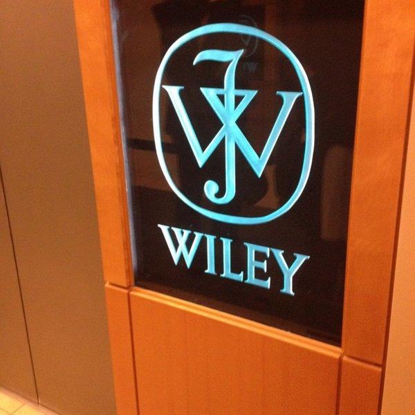 لوگوی وایلی روی در